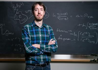 Jeremy England, một nhà vật lý, 31 tuổi tại MIT, cho rằng ông đã tìm thấy, vật lý cơ bản, dẫn đến, nguồn gốc và sự tiến hóa, của sự sống