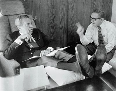 Hồ sơ mật: Mỹ từng nhiều lần muốn ném bom nguyên tử Việt Nam